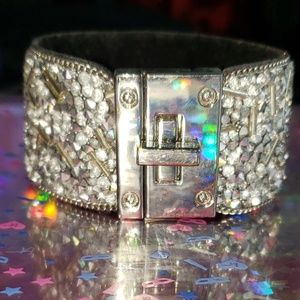 Exquisite Silver Beaded Turnlock Cuff Braclet